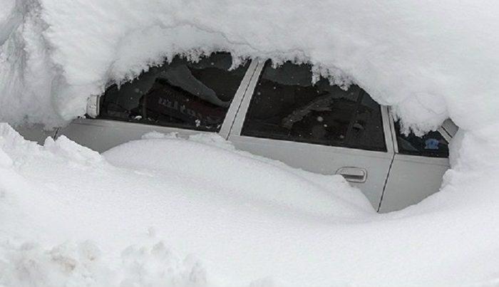 بارش برف در سرعین به نیم متر رسید