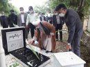 غبار روبی مزار شهدا به مناسبت هفته دفاع مقدس در سرعین+تصاویر