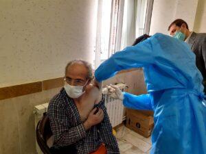 تزریق واکسن کرونا به ۱۶ پاکبانان شهرداری سرعین